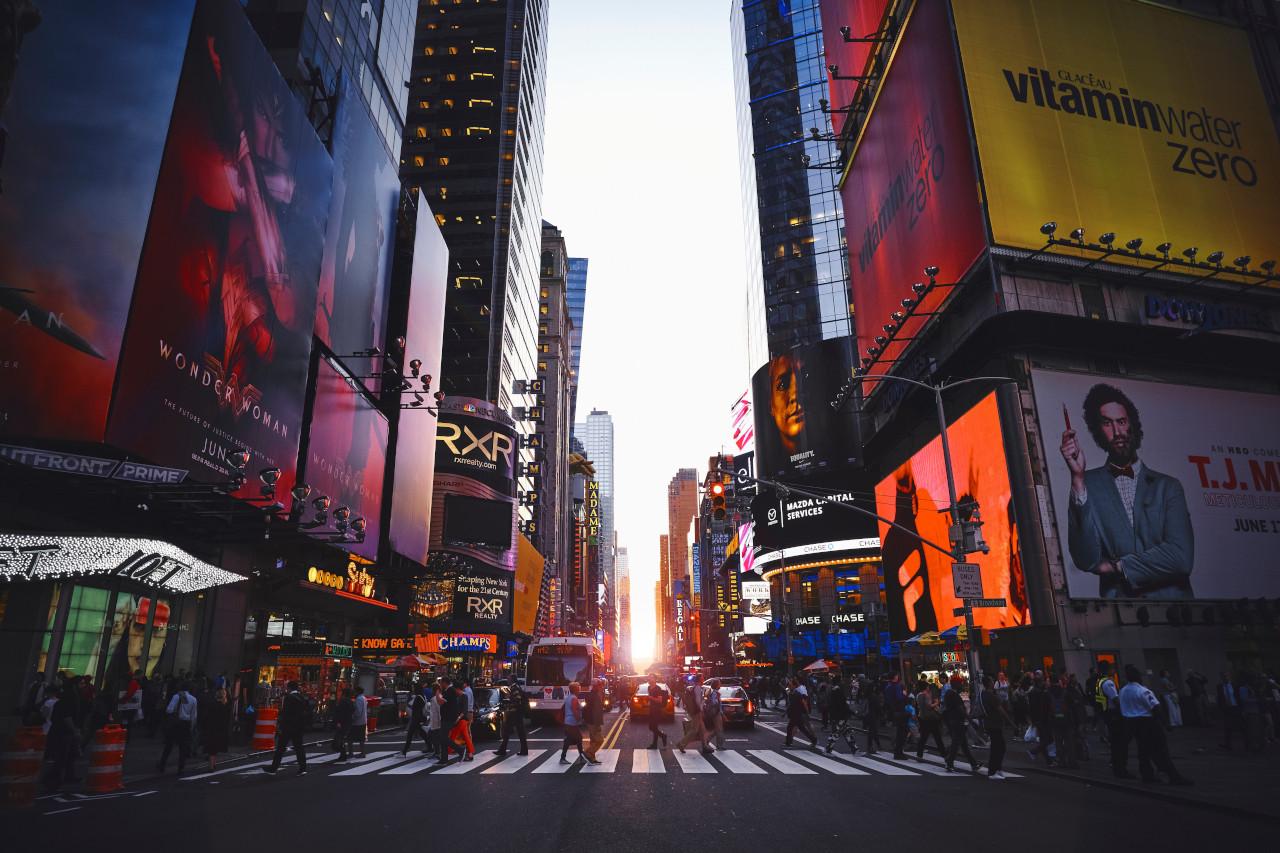 нью-йорк жизнь сша 2021 таймс-сквер